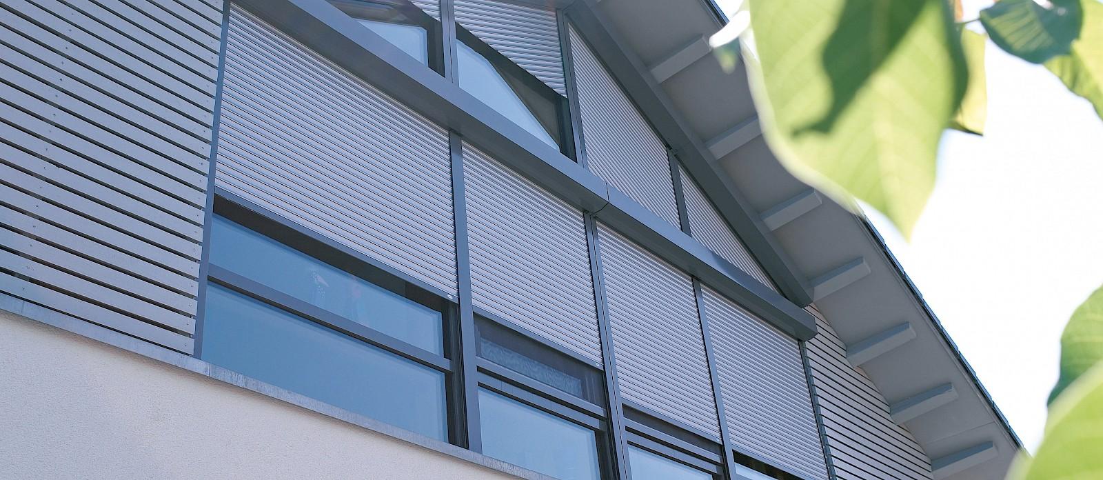 Sistema Di Oscuramento Per Finestre avvolgibili per serramenti obliqui | roltek